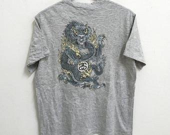 RARE!!! Stussy Skate Streetwear Dragon Big Logo Crew Neck Grey Colour T-Shirts L Size