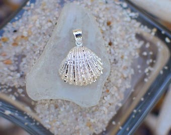 Sterling Silver Scallop Shell Pendant
