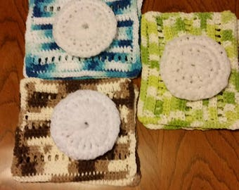 crocheted dish cloth and pot scrubber set