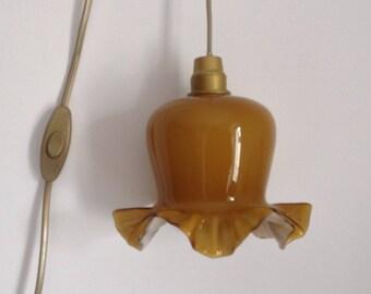 Mustard wandering opaline lamp