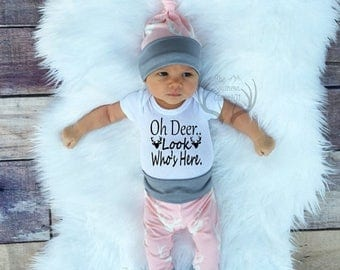 24 HOUR FLASH SALE--35% Baby Girl Coming home Outfit Set,Oh Deer..Look Who's Here, Country,Deer Outfit,Newborn,Light Pink Gray,White,Newborn