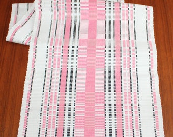 Stylish vintage mid century modern woven Table runner with geometric pattern in white, pink & black. Made in Sweden Scandinavian.