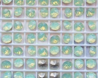 Swarovski 1088 Chrysolite Opal F 39ss Xirius Chaton Rhinestones