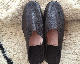 Moroccan Traditional Babouche, Handmade Leather Slippers - Dark Brown