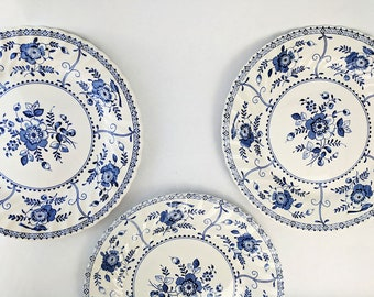 "10"" Vintage Dinner Plates Blue and White Floral Johnson Brother's Indies"