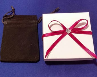 Gift box and ribbon, Gift box add-on, add a gift box to a purchase from my store