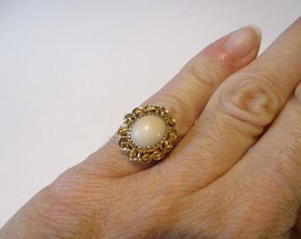 Light pink coral ring