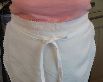 white lace apron Pocket inner half circle