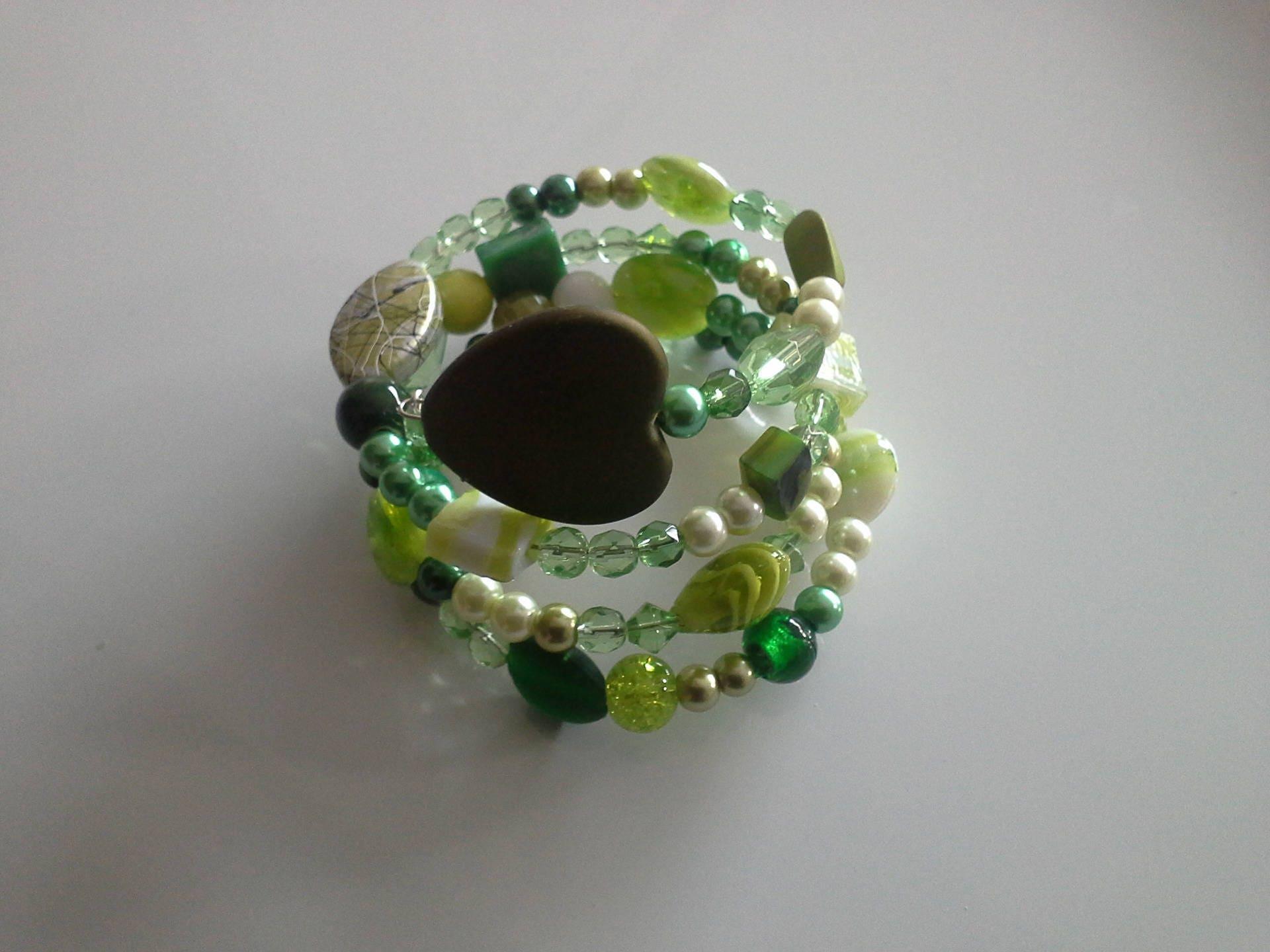bracelet fil memoire ton de vert. Black Bedroom Furniture Sets. Home Design Ideas