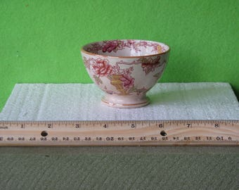 """China, Antique Small """"Nankin"""" Bowl, By Societe Ceramique Maestricht of Holland, About 1910"""
