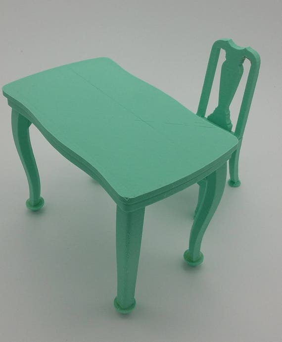 Table and chair for Ball jointed Zisa Doll