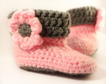 Crochet baby booties - baby girl - newborn - 0-6 months - baby shoes - knitted baby shoes - baby clothes - girls shoes - baby slippers