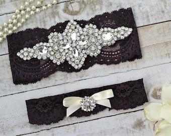 Plum Bridal Garters, purple wedding garters, Set NO SLIP grip vintage rhinestones pearl lace rhinestone