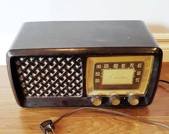 1950s Silvertone Tabletop Radio, 6 Tubes, Model 2015