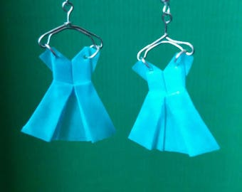 Dresses on hangers (ROB_003) origami