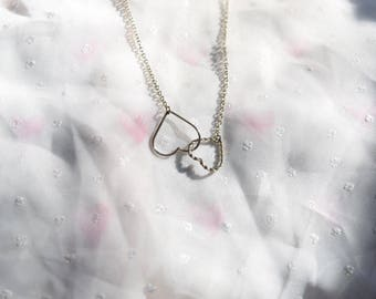 Beautiful Silver Tone Valentine Connected Hearts Chocker Necklace