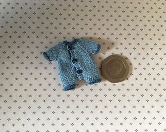 Dollshouse1/2th miniature hand knitted toddler doll baby grow