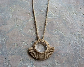 Cream macramé necklace with quartz