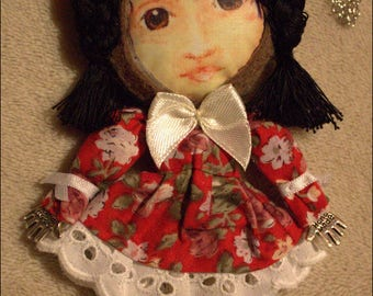 Mini puppet / character - Arietty necklace matching ribbons