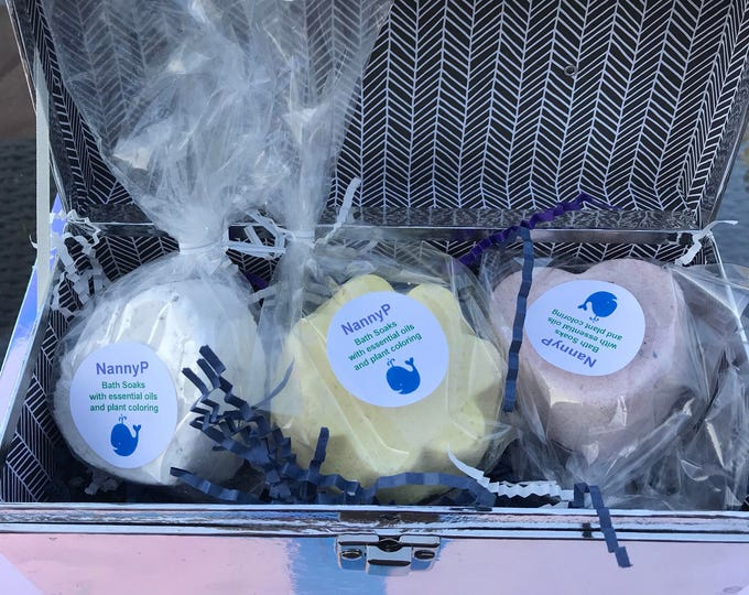 Organic Bath Bombs Gift Set For Kids And Adults - CERTIFIED AROMATHERAPIST Handmade