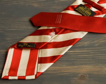 Modern designers Tony Tetro Buttonhole X-Long silk neck tie for Hoens&Souren Keereweer Advocaten Limited edition