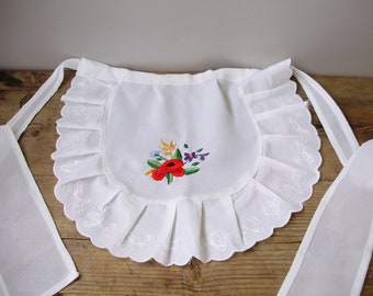 Vintage handmade Hungarian embroidered apron,Kalocsa flower pattern