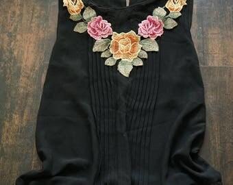 Detachable collar applique for sew flower bib