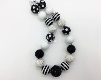 Black and White Girls Chunky Bubblegum Necklace, Classic Black and White Necklace, Cake Smash Jewelry, Special Occasion Necklace