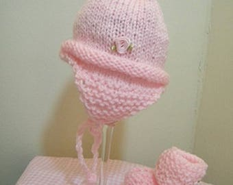 Baby knit pink hat w/pom pom and booties/knit 0-3 mos