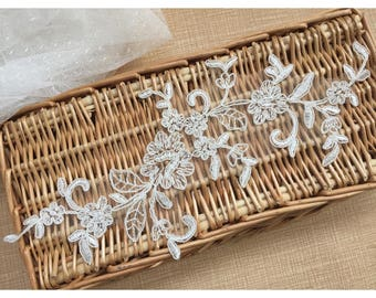 1 Pair Bridal Lace Applique DIY Trim Appliques in Beige for Weddings,   Sashes, Veils, Headpieces, WL1776