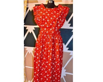 Vintage 70s Red Floral Apron, Bib Dress with Ties