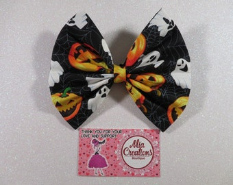 Trick or Treats Bow.