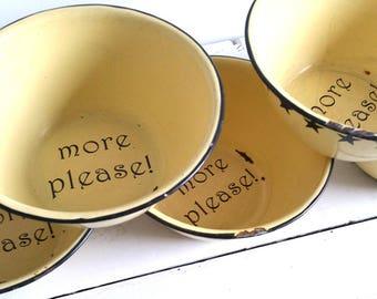 Vintage Americana enamelware bowl 'More Please'