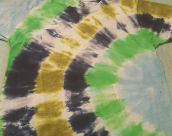 Handmade tie dyed kid's tshirt size small 6/8