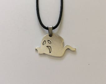Halloween ghost necklace / ghost jewellery / gothic jewellery / Halloween jewellery / Halloween gift