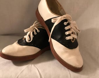 Vintage Saddle Shoes size 7