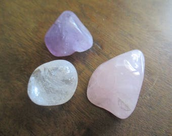 Le triangle d'or. 3 pierres pour une connection à l'univers.