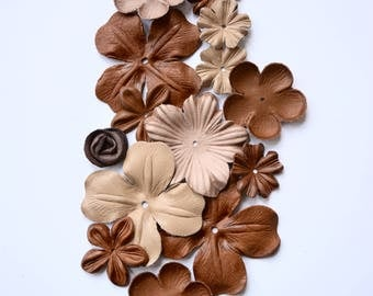 Mix of leather flower  set