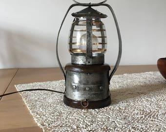 Very vintage Hurricane lamp vintage