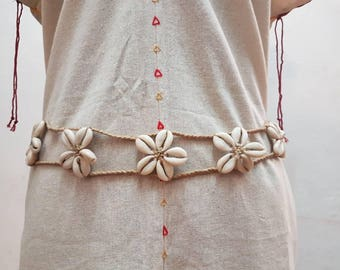 Macrame Belt braided with flower-shaped shells