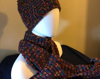 Multicolor hat and scarf set
