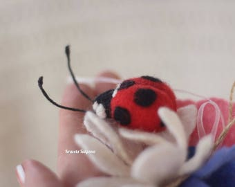 Needle felted ladybug, felt ladybug, toy ladybug, brooch ladybug, felt ornaments, felt brooch, Christmas gift, Needle felted animal,cute toy