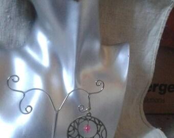 pretty dangle earrings Fuchsia