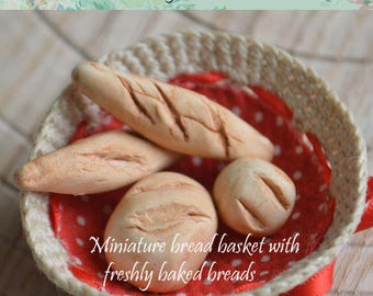 Miniature Bread Basket with fresh baked 4 pieces breads.