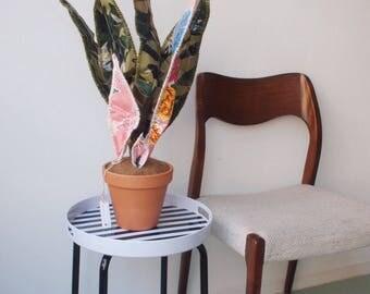 Sanseveria van Mexicaans Tafelzeil (handgemaakt) | Sanseveria made of Mexican Oilcloth (Hand Made)