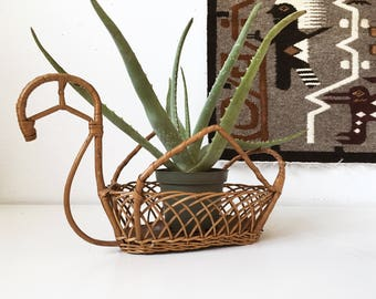 Vintage Wicker Wood Elegant Swan Basket Planter + Beige + Rustic Brid Folk Animal Decor + Boho Bohemian Jungalow + Air Plant Holder