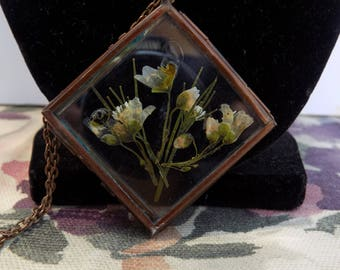 Delicate Wild Flower Necklace