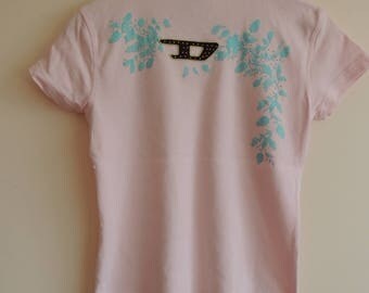 FREE SHIPPING - Vintage DIESEL pink t-shirt with colorful print, silver/bronze stones, size L