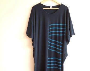 FREE SHIPPING - Vintage NANSO Navy and blue lines bat dress/tunic, size xl