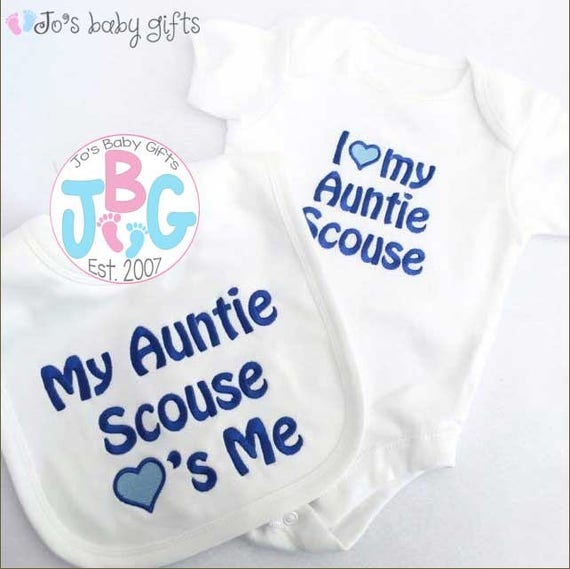 Personalised Baby Vest and Bib set, Embroidered text, add any name to this set, custom baby gift, new baby gift, baby shower/christening
